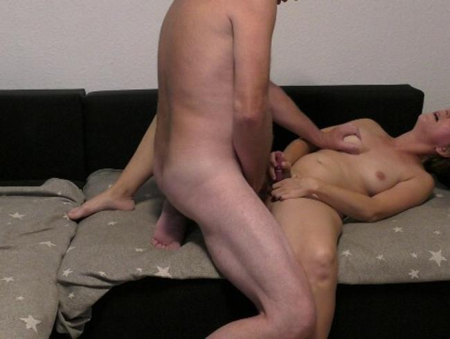 bikini anal sex mit riesen dildo komplet in arsch